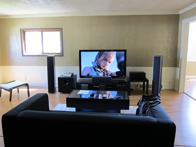 Things to Consider Before Installing a Home Theatre 4